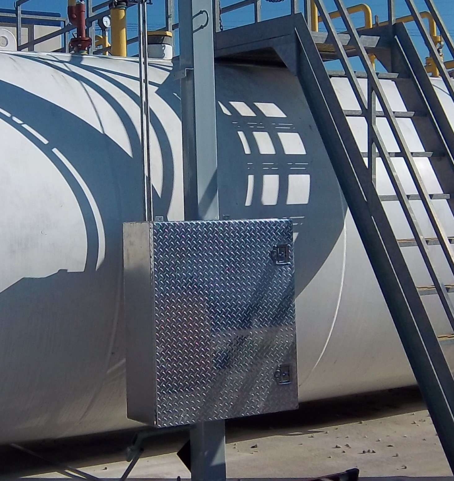 Automatic-fuel-polishing-system installed on two 8,000 gallon tanks